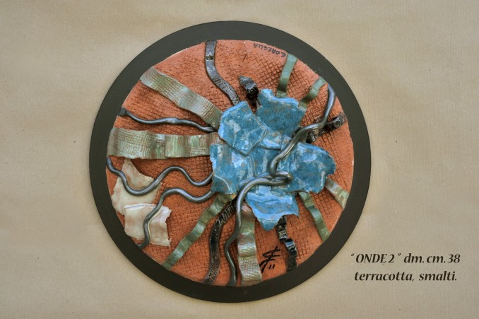 """ONDE 2"" dm. cm. 38 - terracotta, smalti"