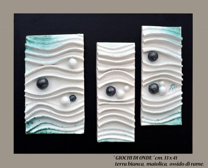 """""""GIOCHI DI ONDE"""" cm 33x41 - terra bianca, maiolica, ossido di rame"""